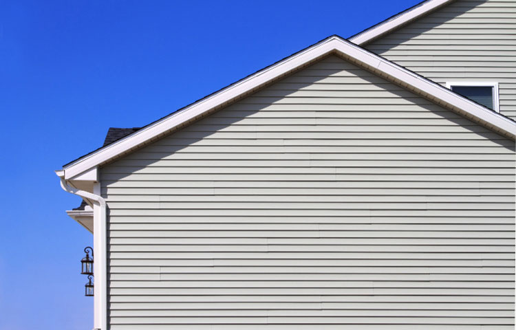 house-with-energy-efficient-siding